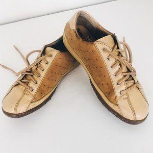Born Vachetta Tan Leather Sneakers